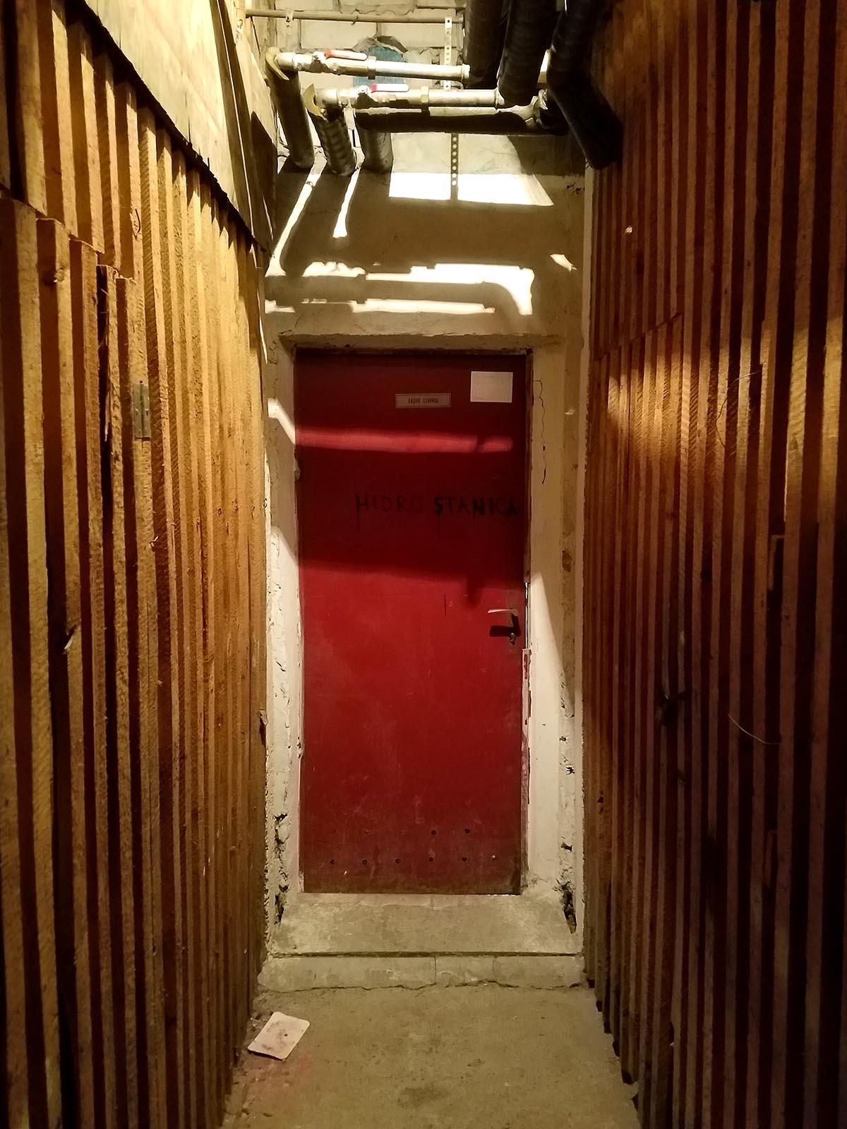 Door 1 1200